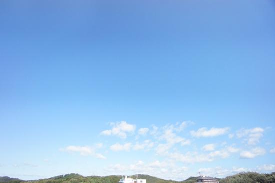 台風一過|青空の写真