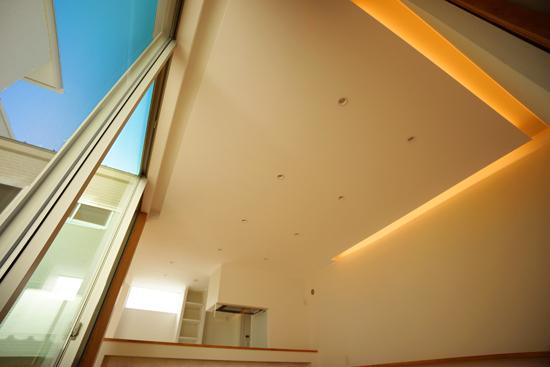 岡崎市の設計事務所が建てた家|リビングの間接照明