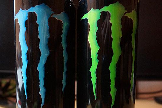 モンスターエナジーの缶