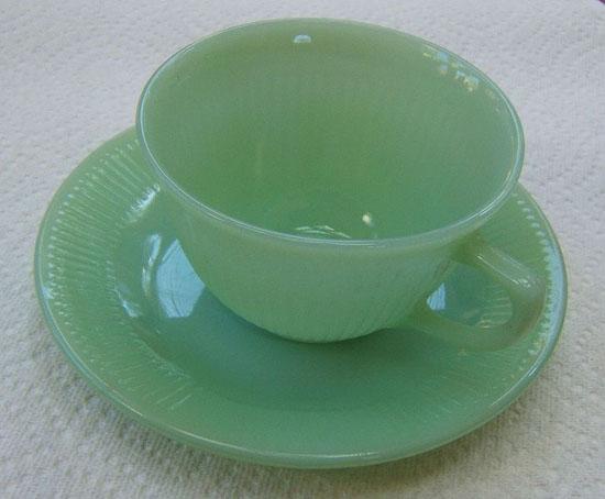 ファイヤーキングのカップとソーサー