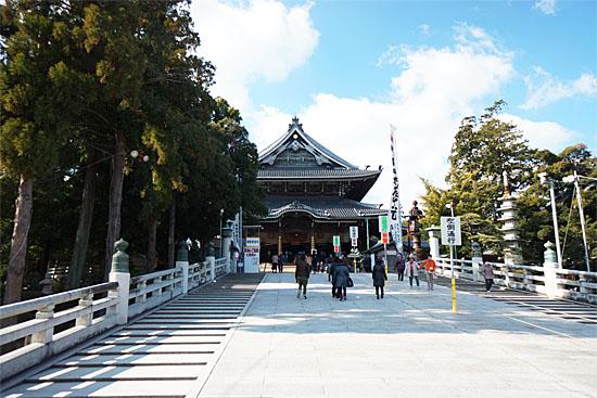 豊川稲荷本殿の写真