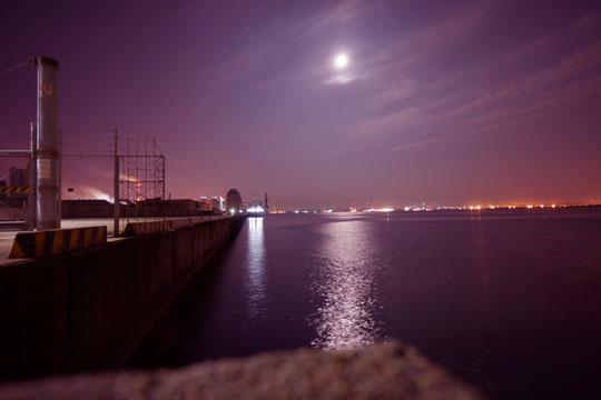 衣浦から知多湾方向を見た夜景写真