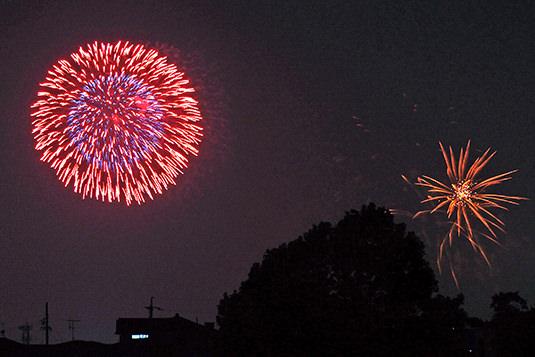 露光時間0.8秒で撮った花火
