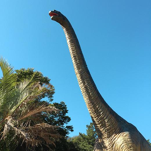 ブラキオサウルスの像