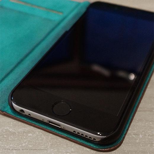保護フィルムを貼ったiPhone6の画像