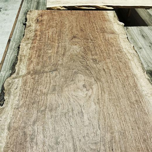 ブビンガのウッドテーブルの画像