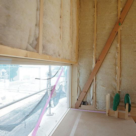 地窓のある玄関の写真