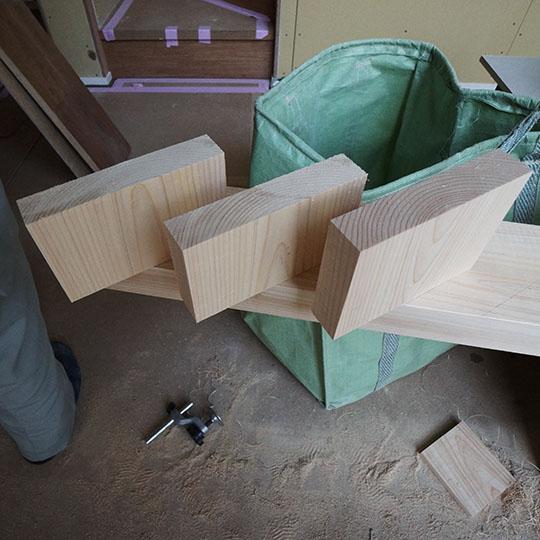 木製ルーバーの写真