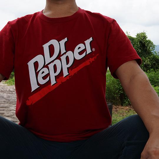 ドクターペッパーのTシャツの写真