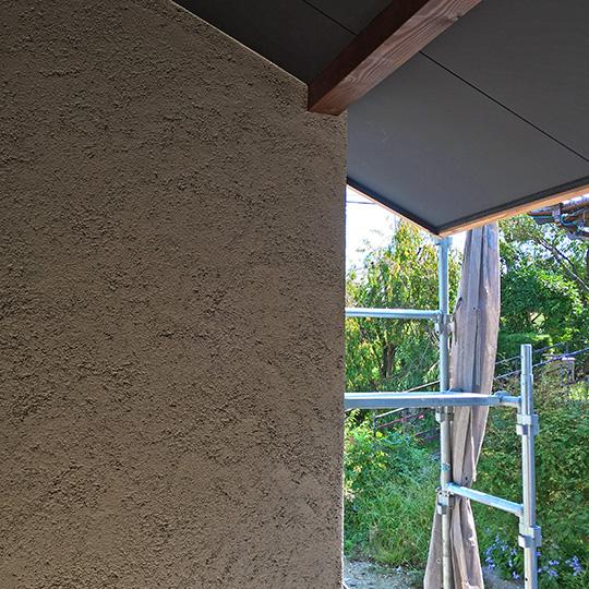 そとん壁を使用した左官仕上げの外壁