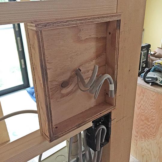 壁に付けたニッチの下地用ボックス