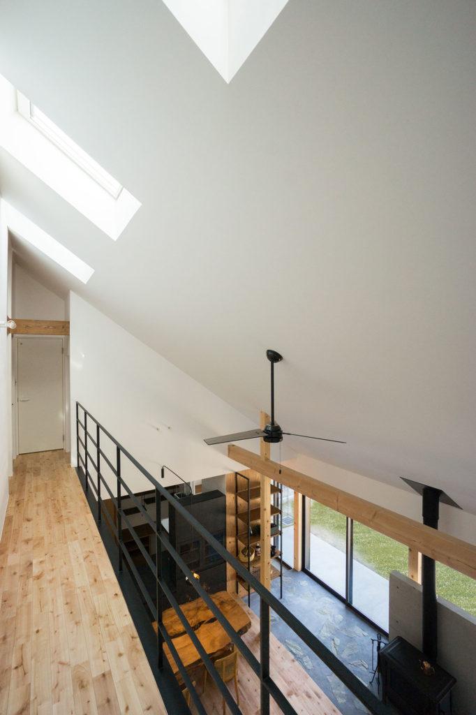 勾配天井と吹抜の写真